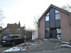 ORTS *** gepflegte Doppelhaushälfte zur Miete, Waldrandlage in ruhiger Einliegerstraße/Sackgasse ***