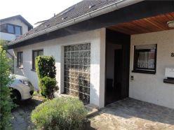RE/MAX - Einfamilienhaus mit Einliegerwohnung und viel Platz