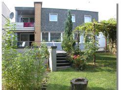 Viel Platz zum wohlfühlen - Familienfreundliches Einfamilienhaus mit Einliegerwohnung